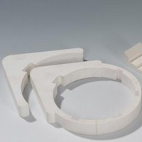 Wear-resistant lining, porcelain, ceramic shaped pieces